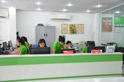 Nhân viên chăm sóc khách hàng tại In Kỹ Thuật Số