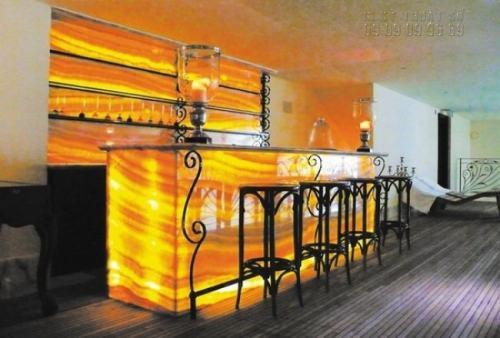 In backlit film cho quầy rượu tại nhà
