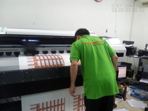 Tem nhãn decal dán sản phẩm mỹ phẩm đều được in trên máy in khổ lớn, và bế trên máy bế Mimaki Nhật Bản