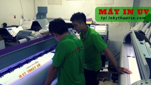 In UV trên Mica/Kính/Alu được in trên máy in uv mới, hiện đại