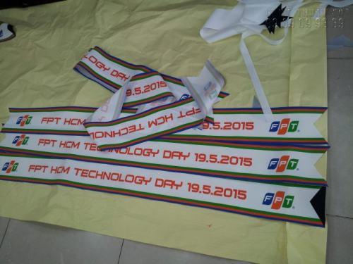 Dải băng đeo chéo cho công ty FPT