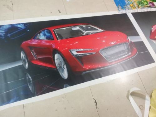 Backlit film là chất liệu được lựa chọn làm hộp đèn trang trí showroom ôtô Audi cho chất lượng thành phẩm đẹp tuyệt vời