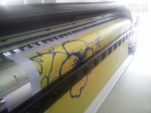 Thực hiện in phông cưới chất lượng tuyệt đẹp trực tiếp bằng máy in khổ lớn tại Công ty Quảng Cáo