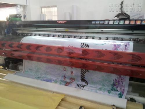 In backdrop giá rẻ, in nhanh trên bạt hiflex cho thành phẩm chất lượng cao. Công ty In Thiệp Cưới chuyên in ấn backdrop hiflex bằng máy in khổ lớn Nhật Bản cho độ mịn cao