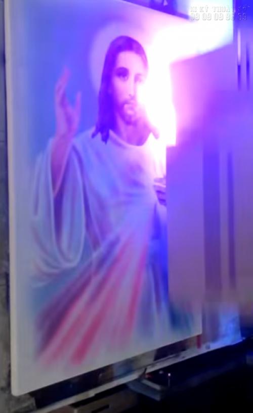 Máy in UV phẳng in tranh Công giáo
