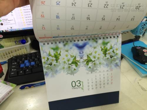 Mẫu lịch để bàn 2017 - Chủ đề Hoa đào 2