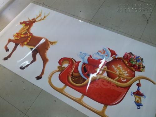 In decal trong hình ảnh Ông già Noel và chú Tuần lộc trang trí dán kính cửa hàng, showroom,... nhân dịp lễ Giáng Sinh