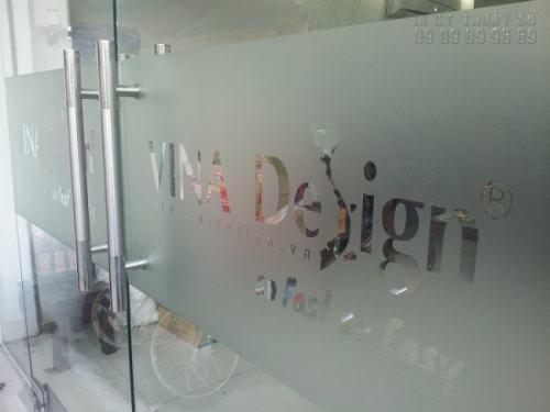 In decal trong mờ dán kính đẹp cho các công ty, văn phòng làm việc,... giá rẻ, in ấn đẹp