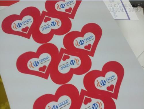 Sticker Decal nước hình trái tim với màu sắc rất đẹp, in ấn nhanh tại Công ty TNHH In Kỹ Thuật Số