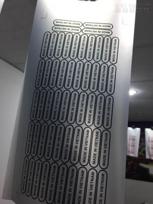 Decal tem bạc được in với số lượng lớn, in ấn nhanh chóng cùng Công ty TNHH In Kỹ Thuật Số