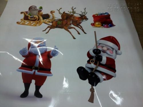 In decal dán tường theo yêu cầu dùng để trang trí hình ảnh Ông già Noel, chú Tuần lộc,... chào mừng Giáng Sinh sắp đến