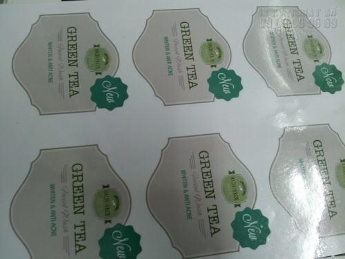 In Decal tem nhãn cán màng bóng theo yêu cầu cho thương hiệu GREEN TEA đẹp, ấn tượng