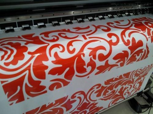 Thực hiện in Decal trong dán xe, Decal dán xe các loại bằng máy in phun hiện đại nhập khẩu từ Nhật Bản cho thành phẩm in ấn đẹp, in nhanh chóng