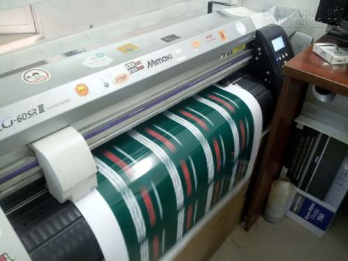 In tem nhãn Decal chất lượng cao với hệ thống máy in nhập khẩu từ Nhật Bản hiện đại cho bản in sắc nét, tuyệt vời