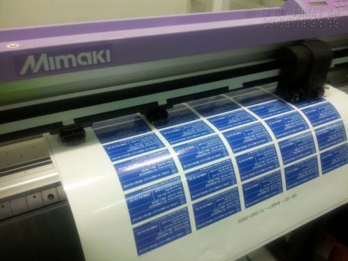 Gia công cấn bế tem nhãn bằng máy bế Mimaki chuyên nghiệp cho thành phẩm đúng chuẩn kích thước