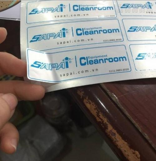 In tem nhãn giá rẻ trên chất liệu decal bạc làm tem nhãn quảng cáo chất lượng cao tại InKyThuatSo