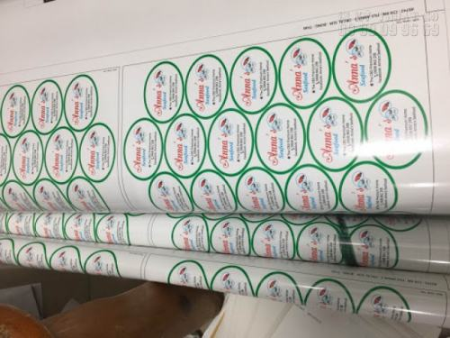 In tem nhãn mỹ phẩm dạng tròn, in sắc nét, đảm bảo thiết kế và in ấn theo đúng yêu cầu khách hàng tại In Kỹ Thuật Số