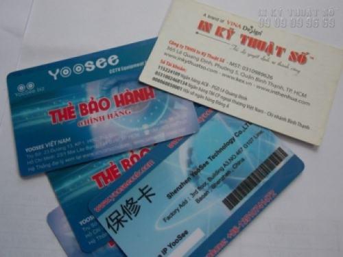 In thẻ nhựa làm thẻ bảo hành chính hãng, thẻ có mã barcode