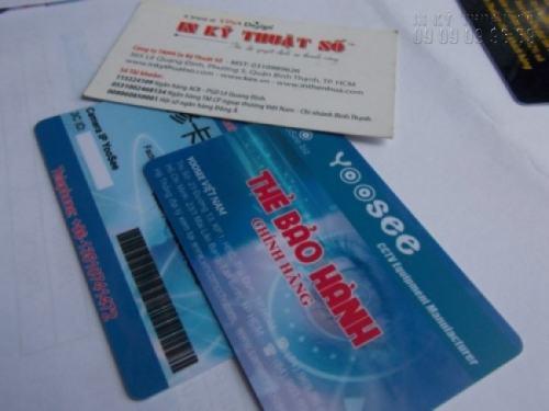 In thẻ nhựa có mã vạch barcode làm thẻ bảo hành cho công ty