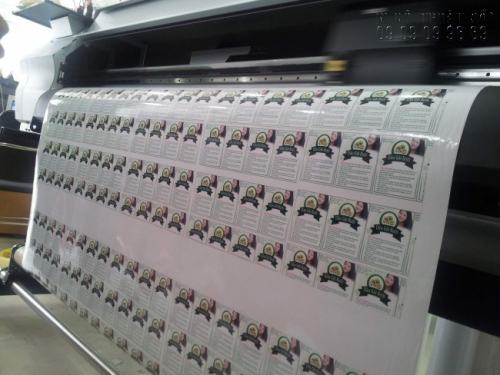 In tem nhãn số lượng ít bằng máy in hiện đại, in sắc nét, in ngay tại xưởng In Kỹ Thuật Số
