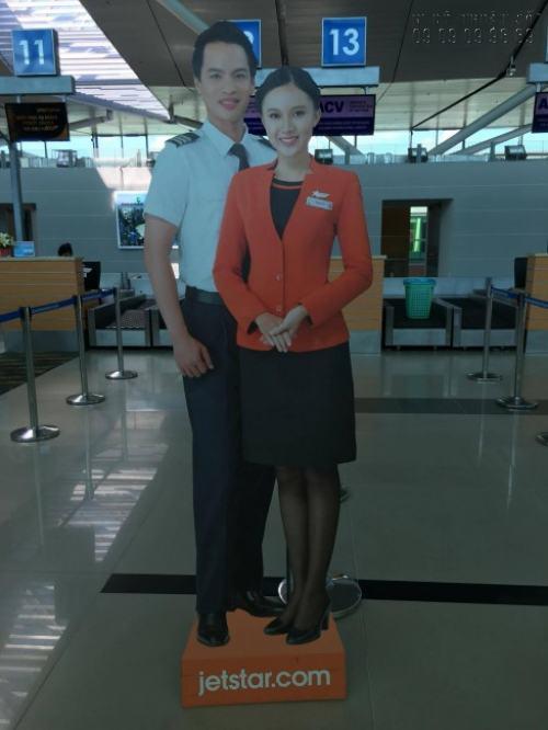 In PP cán format làm hình người tại Sân bay