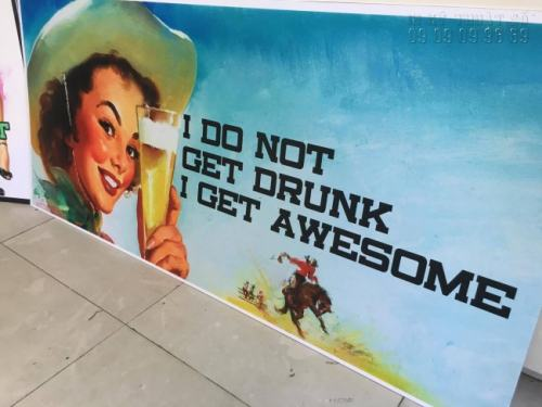In PP khổ lớn cán bồi format làm phông nền trang trí vintage cho quán bia của người nước ngoài
