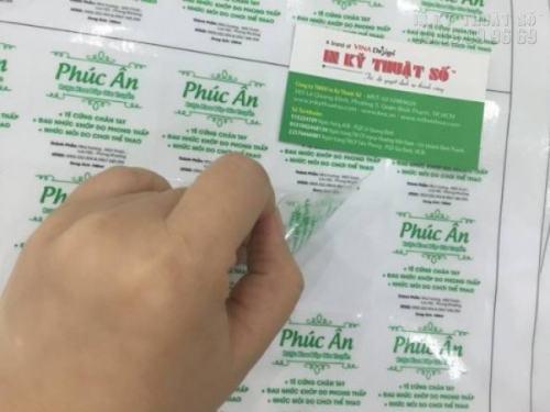 Tem nhãn decal trong dạng tấm dễ dàng và tiện lợi khi sử dụng