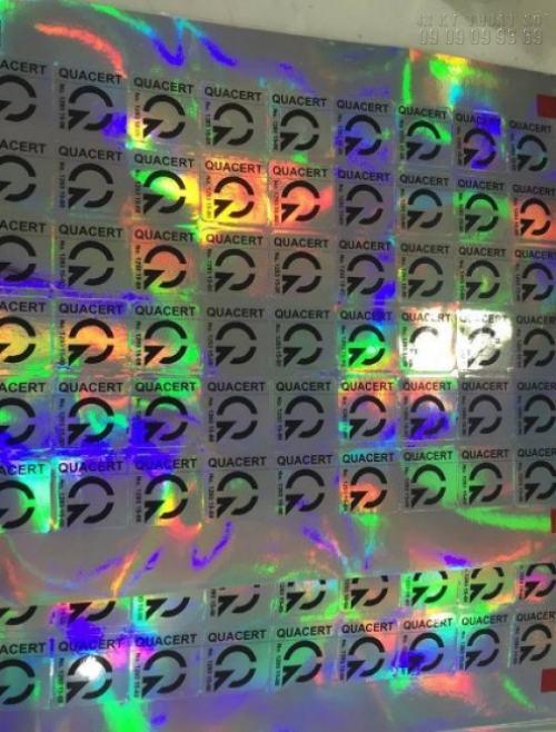 Thành phẩm tem nhãn 7 màu trước khi giao hàng cho khách tại InKyThuatSo
