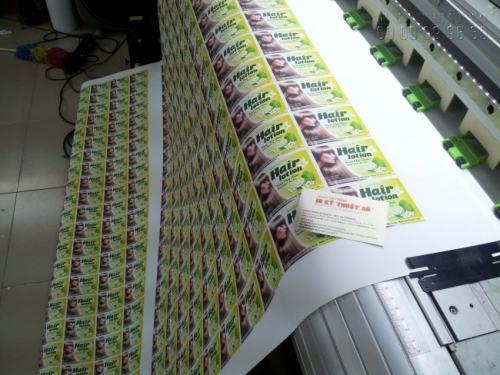 Đến với InKyThuatSo, tem nhãn decal của bạn được trực tiếp in ấn bằng máy in nhập khẩu từ Nhật Bản, cho chất lượng in tuyệt đẹp