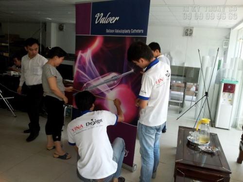 Đội ngũ nhân viên gia công của Công ty TNHH In Kỹ Thuật Số - Digital Printing Ltd đông cùng nhiều năm kinh nghiệm đảm bảo sản phẩm in PP của bạn được hoàn thiện trong thời gian ngắn nhất với chất lượng tốt nhất.