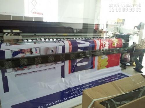 Máy in hiflex tại công ty In Kỹ Thuật Số thuộc loại máy in cỡ lỡn, dễ dàng in ra những sản phẩm hiflex chất lượng về hình ảnh, màu sắc và cả chất liệu.