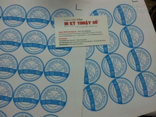 In tem decal trong dạng hình tròn, in sắc nét, chất lượng tại Công ty TNHH In Kỹ Thuật Số