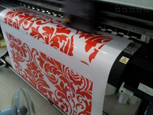 Sản phẩm in decal xe máy được in ấn đẹp, in sắc nét với nội dung theo yêu cầu khách hàng tại InKyThuatSo