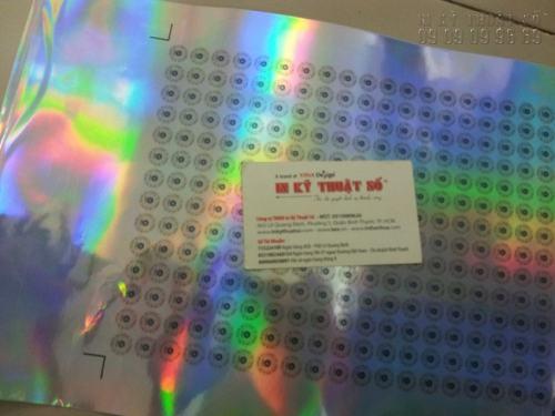 In decal bạc phản quang làm tem nhãn giá rẻ, in sắc nét tại Công ty TNHH In Kỹ Thuật Số