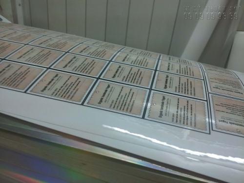 In tem decal giấy cán màng bóng chất lượng cao, in nhanh giá rẻ tại InKyThuatSo