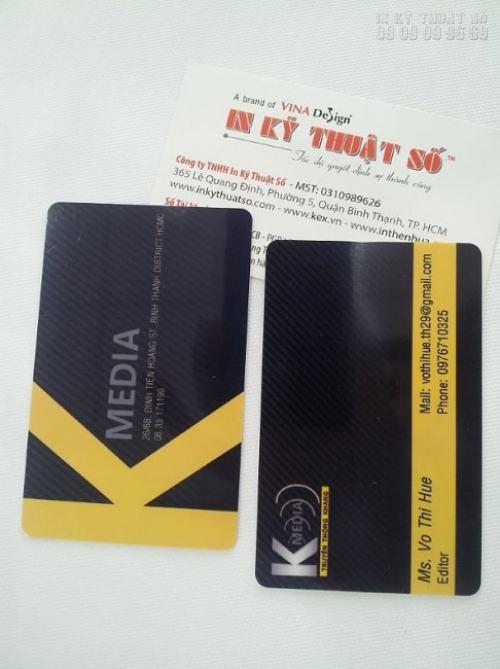 In thẻ nhựa làm thẻ bảo hành với lõi PVC cao cấp, thiết kế và in ấn đẹp tại InKyThuatSo