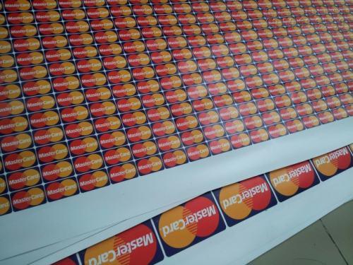 In tem decal nhựa làm logo MasterCard, thiết kế chuyên nghiệp, in ấn sắc nét ngay tại InKyThuatSo
