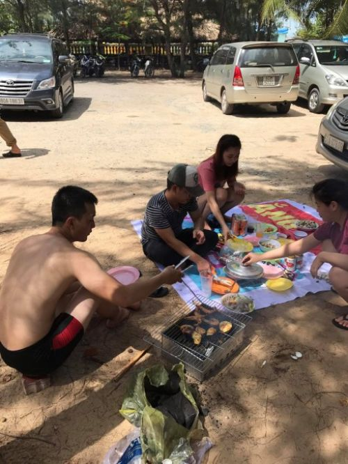 Công ty In Kỹ Thuật Số đi cắm trại dã ngoại, tắm biển tại Long Cung Resort Vũng Tàu ngày 28/5/2017