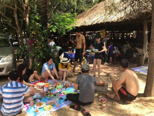 Công ty In Kỹ Thuật Số đi cắm trại dã ngoại, tắm biển tại Long Cung Resort Vũng Tàu ngày 28/5/2017, 1157, Uyên Vũ, InKyThuatso.com, 24/06/2017 15:43:14