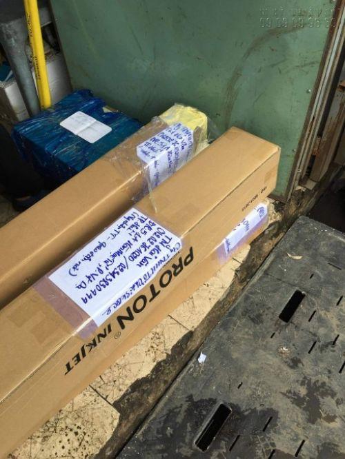 Thành phẩm in quảng cáo cho đơn vị tổ chức sự kiện được đóng gói cẩn thận và gửi hàng qua nhà xe