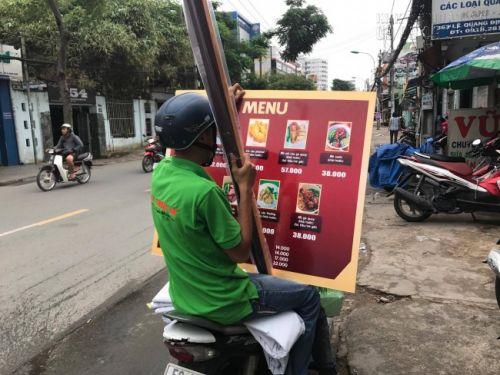 Giao hàng in menu giá rẻ tại TPHCM cho khách hàng trong nội thành thành phố
