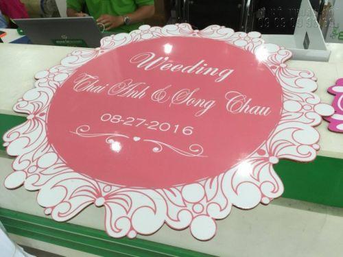 In formex TPHCM làm bảng tên cô dâu, chú rể cho tiệc đám cưới