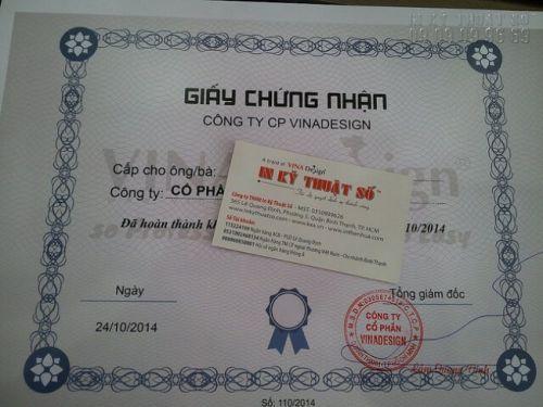 In giấy chứng nhận hoàn thành khóa học đào tạo cho các học viên từ công ty VINADESIGN