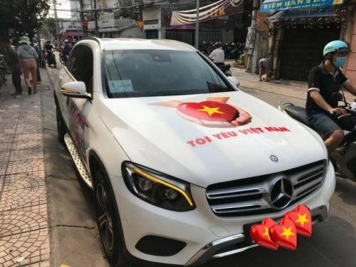 In và thi công dán tem dán sườn xe ô tô Mercedes-Benz tại In Kỹ Thuật Số