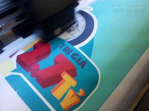 In thử màu khi đặt in poster quảng cáo tại In Kỹ Thuật Số