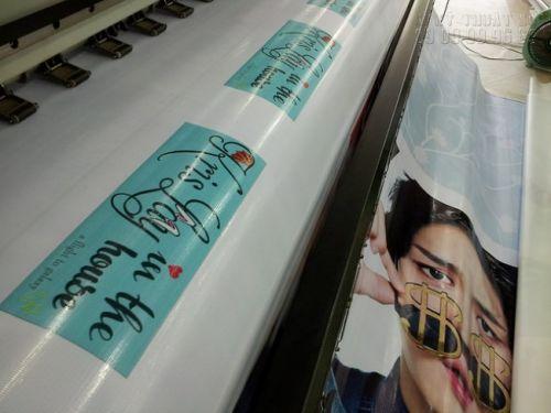 In banner Kpop - in banner cầm tay Kpop - in hiflex mực dầu ngoài trời, banner cầm tay không thấm nước