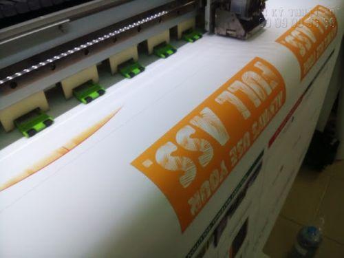 In test màu tại In Kỹ Thuật Số - in test màu chất liệu PP - mực nước - loại hình in chính của in poster trong nhà
