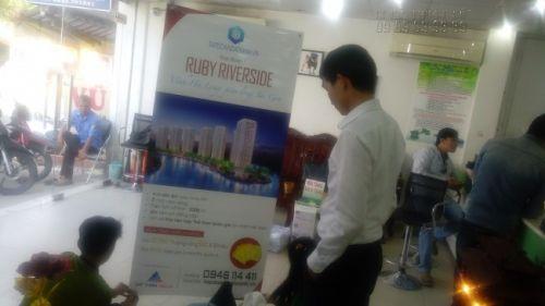 In banner ngoài trời giới thiệu căn hộ chung cư - in PP mực dầu, cán màng bóng, treo kệ X tại In Kỹ Thuật Số