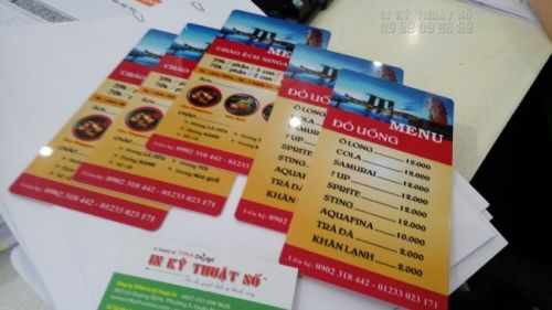 In menu đẹp với đầy đủ bảng giá menu quán ăn ở cả 2 mặt của menu nhựa PVC