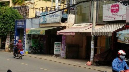 Bạt xuyên sáng làm bảng hiệu hộp đèn cho quầy thuốc tây tại Bình Thạnh, TPHCM